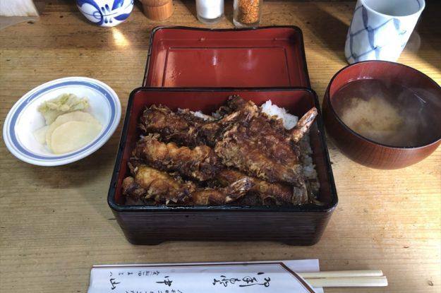天ぷら 中山 孤独のグルメに取り上げられた、人形町の老舗店<黒天丼>